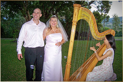 Queensland Harpist Cindy perform for weddings